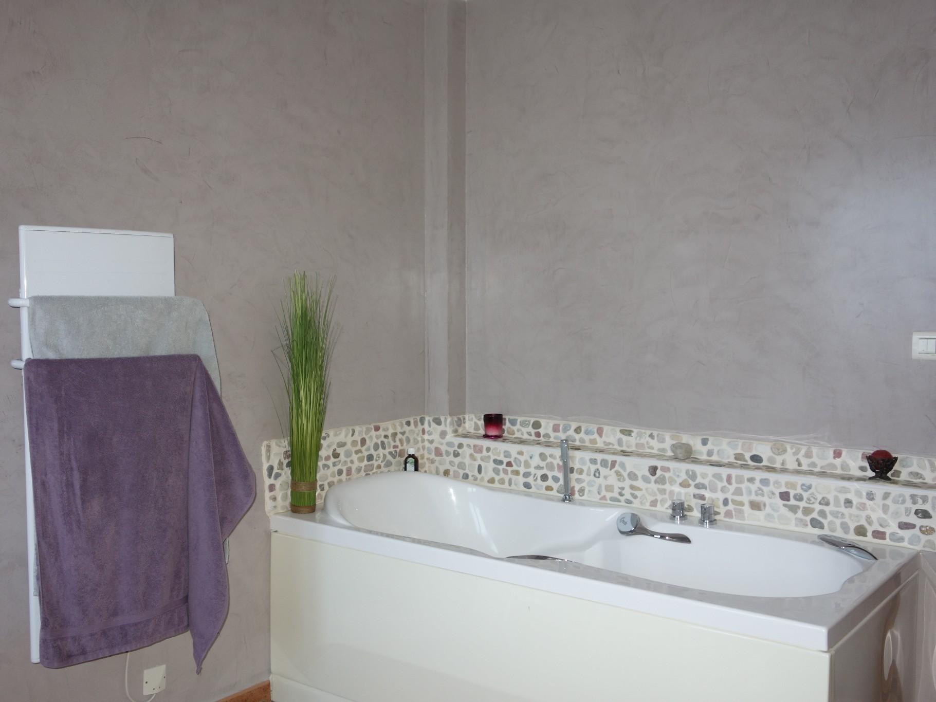 Uz s location vacances villa 4 pi ces 130m2 1 558 for Piscine depot uzes
